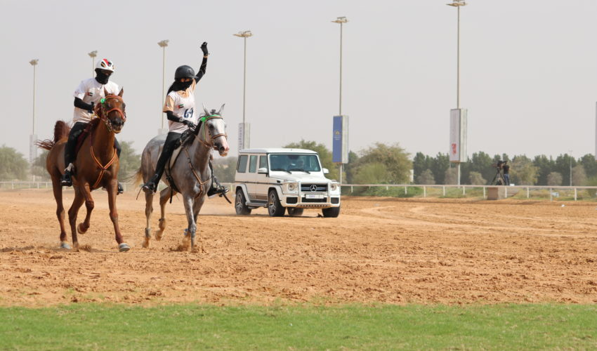 Endurance World Jumeirah Endurance Cup.. The winners with Sheikh Mohammed